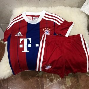 Adidas soccer set T-shirt and shorts 3-4 years